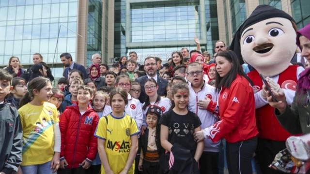 Gençlik ve Spor Bakanlığı'nda 23 Nisan coşkusu yaşandı