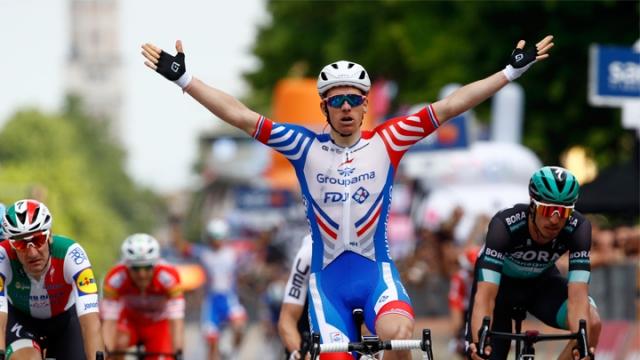 Giro'da 10. etabın kazananı Arnaud Demare