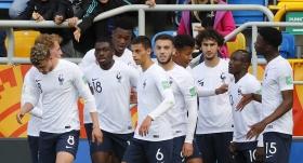 Fransa ilk maçında galip