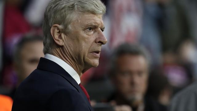 Arsene Wenger Japonya yolunda