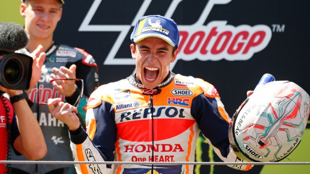 Barcelona'da Marc Marquez rahat kazandı