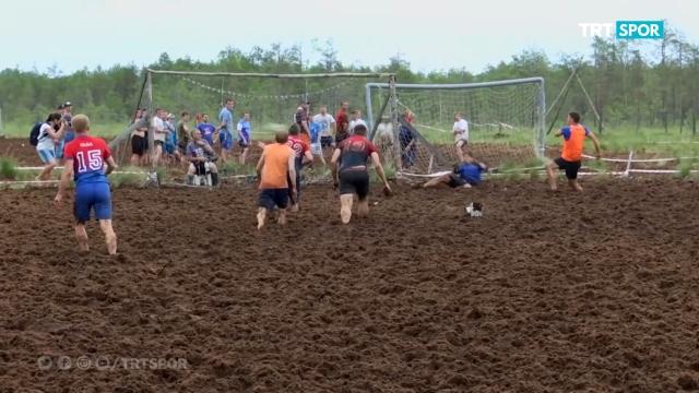 Rusya'da Çamur Futbolu heyecanı