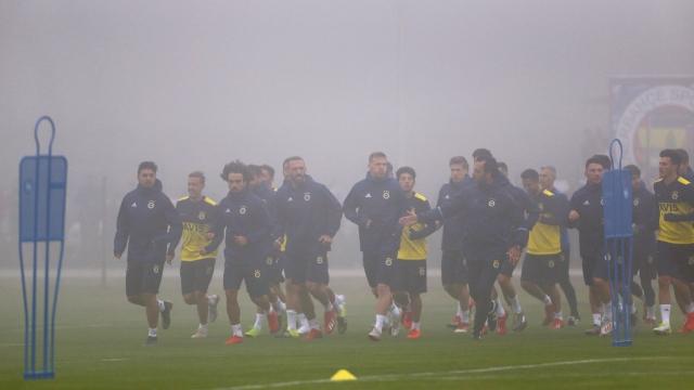 Fenerbahçe transferde dikkatli