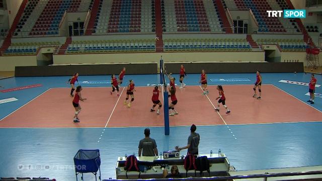 A Milli Kadın Voleybol Takımı hazırlıklarını sürdürüyor