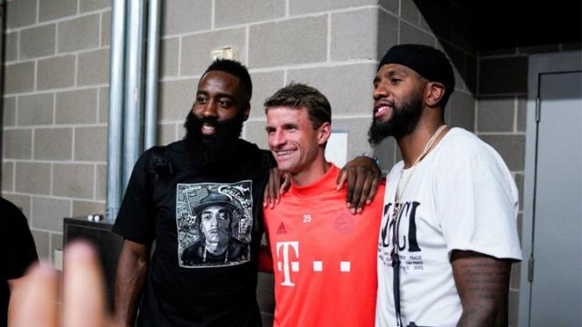 Bayern Münih hem çalışıyor hem eğleniyor
