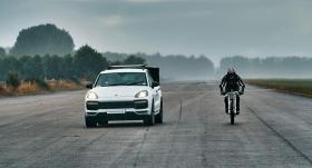 Bisikletle saatte 280 kilometre hız yaptı