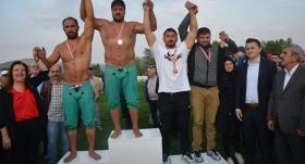 Karakucak'ta başpehlivan Recep Kara