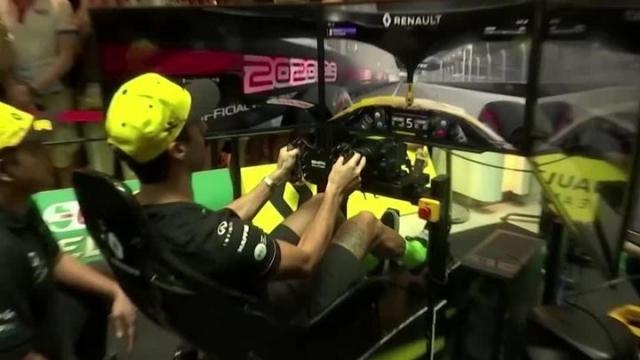 Ricciardo bu kez 13 yaşında bir çocukla yarıştı