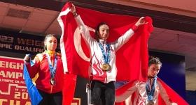 Milli halterciden altın madalya