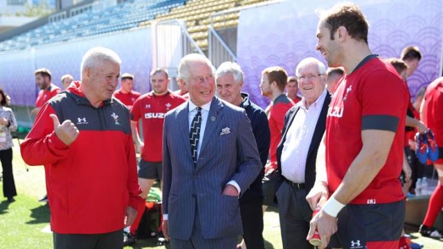 Prens Charles'dan Galler Milli Takımı'na ziyaret
