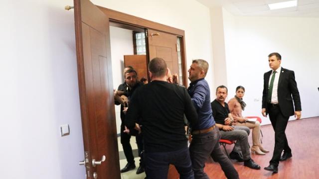 Süleyman Urkay basın toplantısını bastı