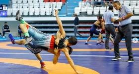 Grekoromen güreşte şampiyon belli oluyor