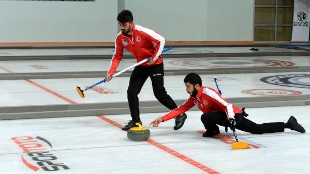 Curling Şampiyonası başlıyor