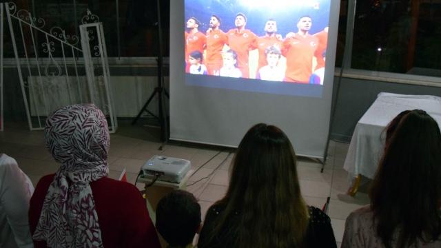 Kadınlardan Milli Takım'a ekran başında destek