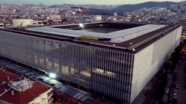 Göztepe Gürsel Aksel Stadı'nda çalışmalar sürüyor