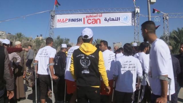 """Gazze'de """"Yapabilirim"""" sloganıyla koştular"""