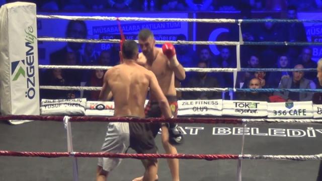 Kick-boks tutkunları Tokat'ta mücadele etti