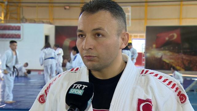 Belediyede çalışan judo antrenörü: Ahmet Koçyiğit