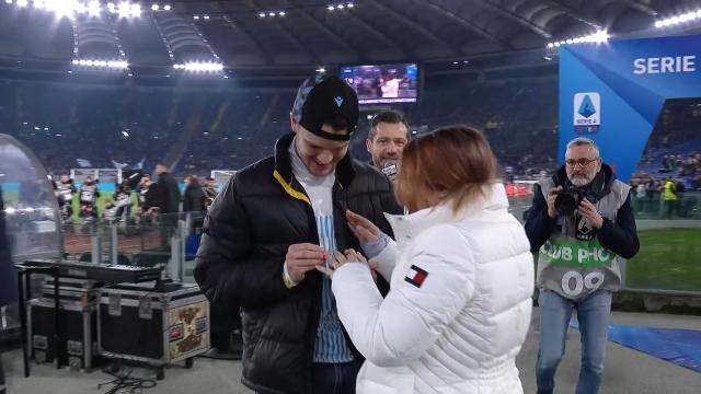 Lazio - İnter maçı öncesi evlilik teklifi