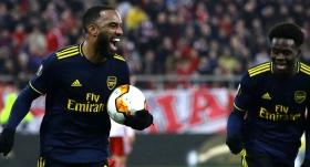 Arsenal Lacazette ile güldü