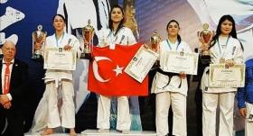 Ashihara Avrupa Şampiyonası'nda Türkiye takım halinde birinci oldu
