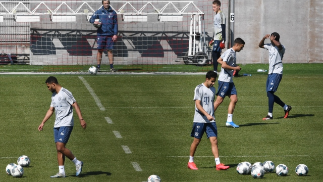 Bayern antrenmanlara başladı