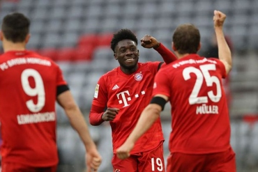Bayern Münih - Frankfurt ( Özet)