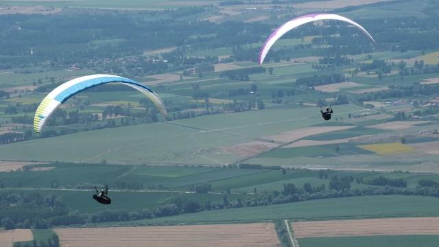 Tokat'ta yamaç paraşütü heyecanı