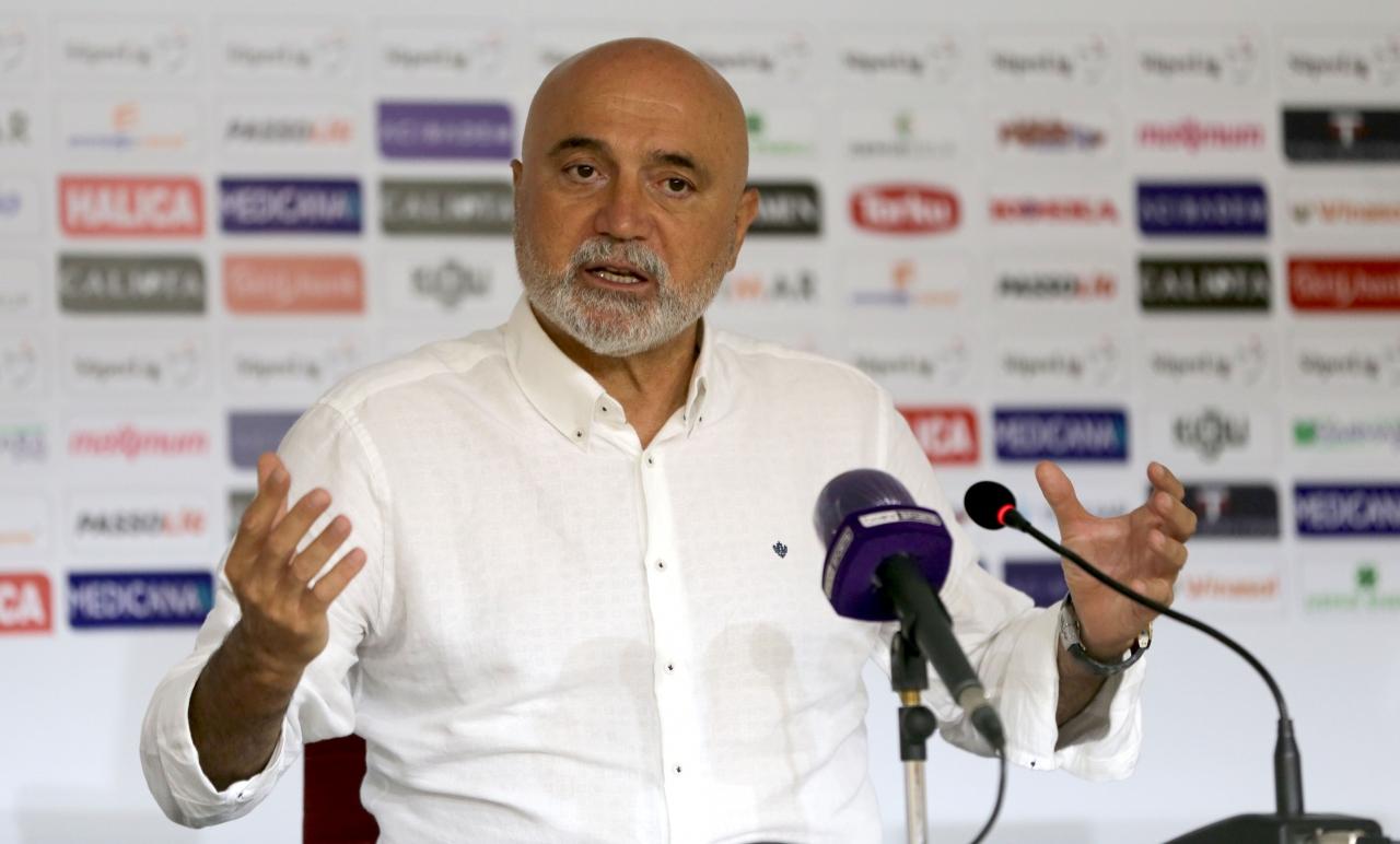 2) BtcTurk Yeni Malatyaspor Teknik Direktörü Hikmet Karaman