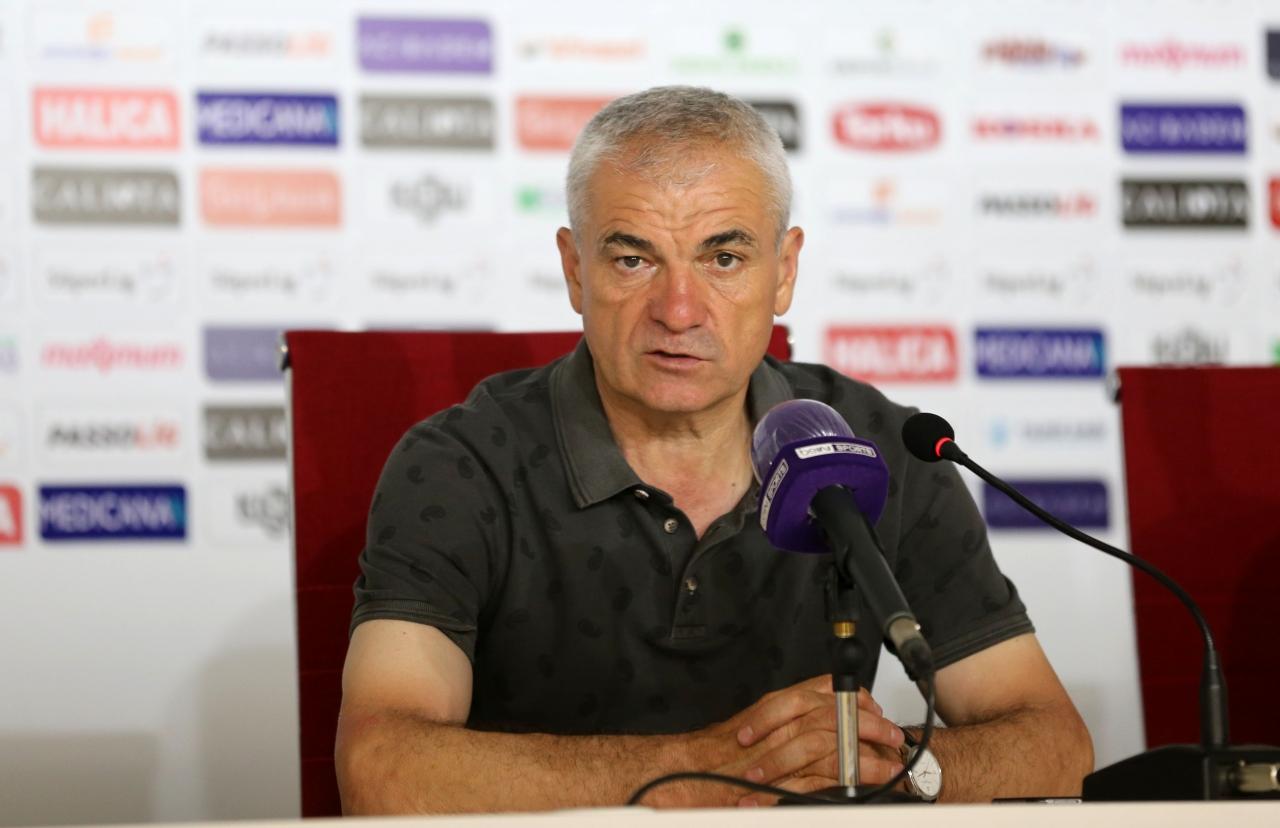 3) Demir Grup Sivasspor Teknik Direktörü Rıza Çalımbay