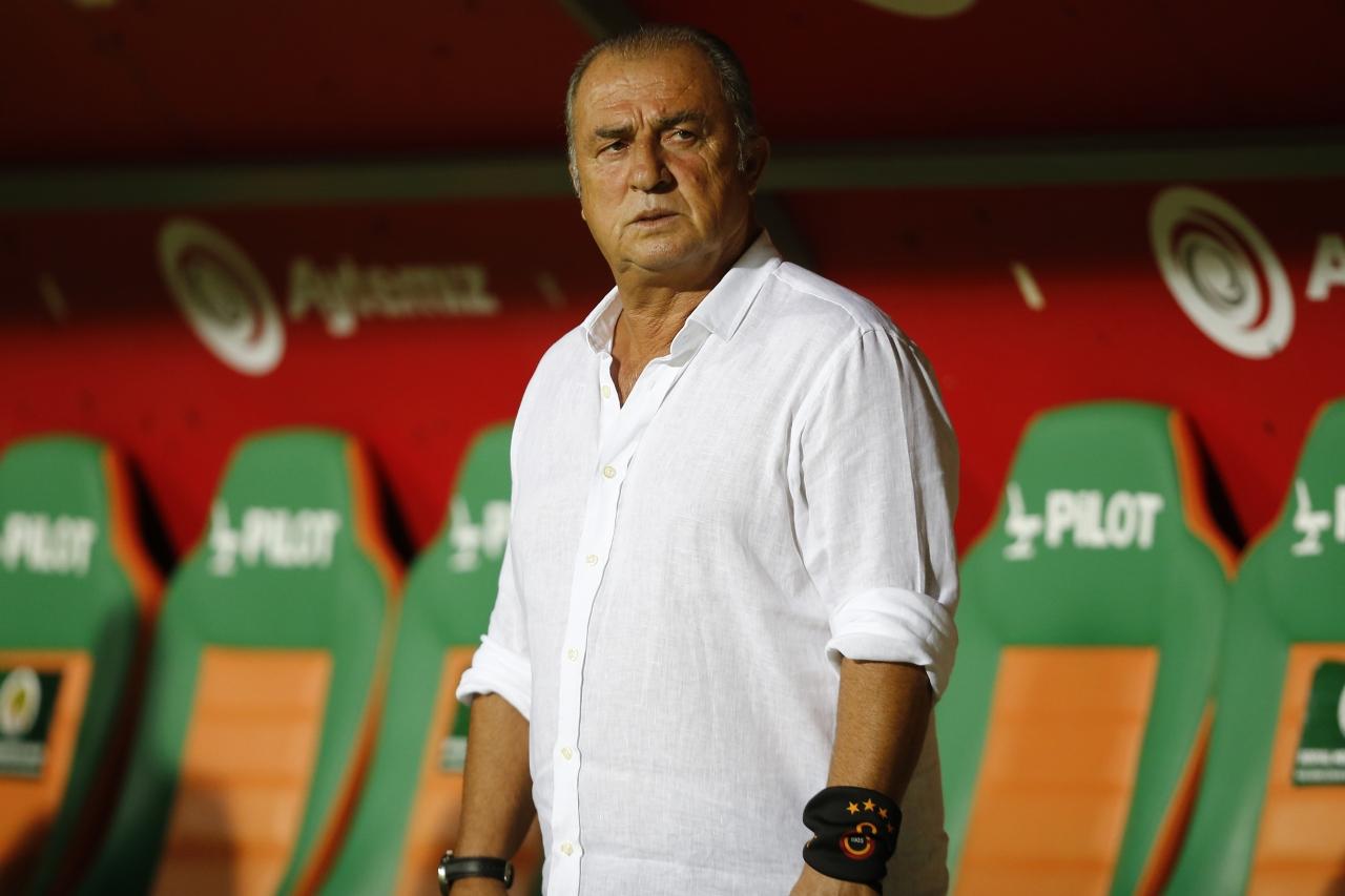 6) Galatasaray Teknik Direktörü Fatih Terim