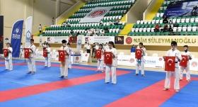 """21 Yaş Altı Türkiye Karate  """"Kata""""Şampiyonası başladı"""