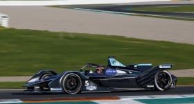 Formula E'nin son yarışını Van Doorne kazandı