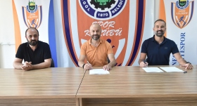 """İnegöl Belediyespor, Bora Şensoy'la """"devam"""" dedi"""