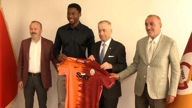 Ryan Donk 1 yıl daha Galatasaray'da