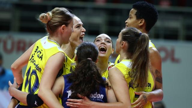 Fenerbahçe Opet 4. galibiyetini aldı
