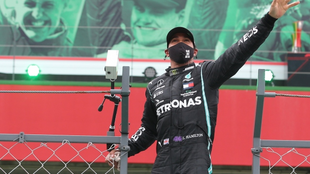 Lewis Hamilton rekora doymuyor