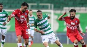 Bursaspor'da iki kadro dışı