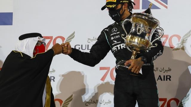 Kazaların gölgesindeki Bahreyn GP'sini Hamilton kazandı