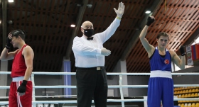 6 milli boksörümüz Bulgaristan'da çeyrek finalde