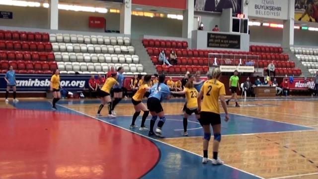 Kadınlar Hentbol Süper Ligi'nde heyecan sürüyor