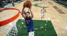 Nikola Jokic, Milwaukee Bucks'ı dağıttı