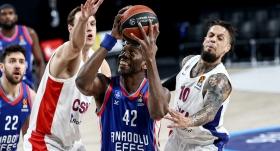 Anadolu Efes'ten CSKA'ya 30 sayı fark