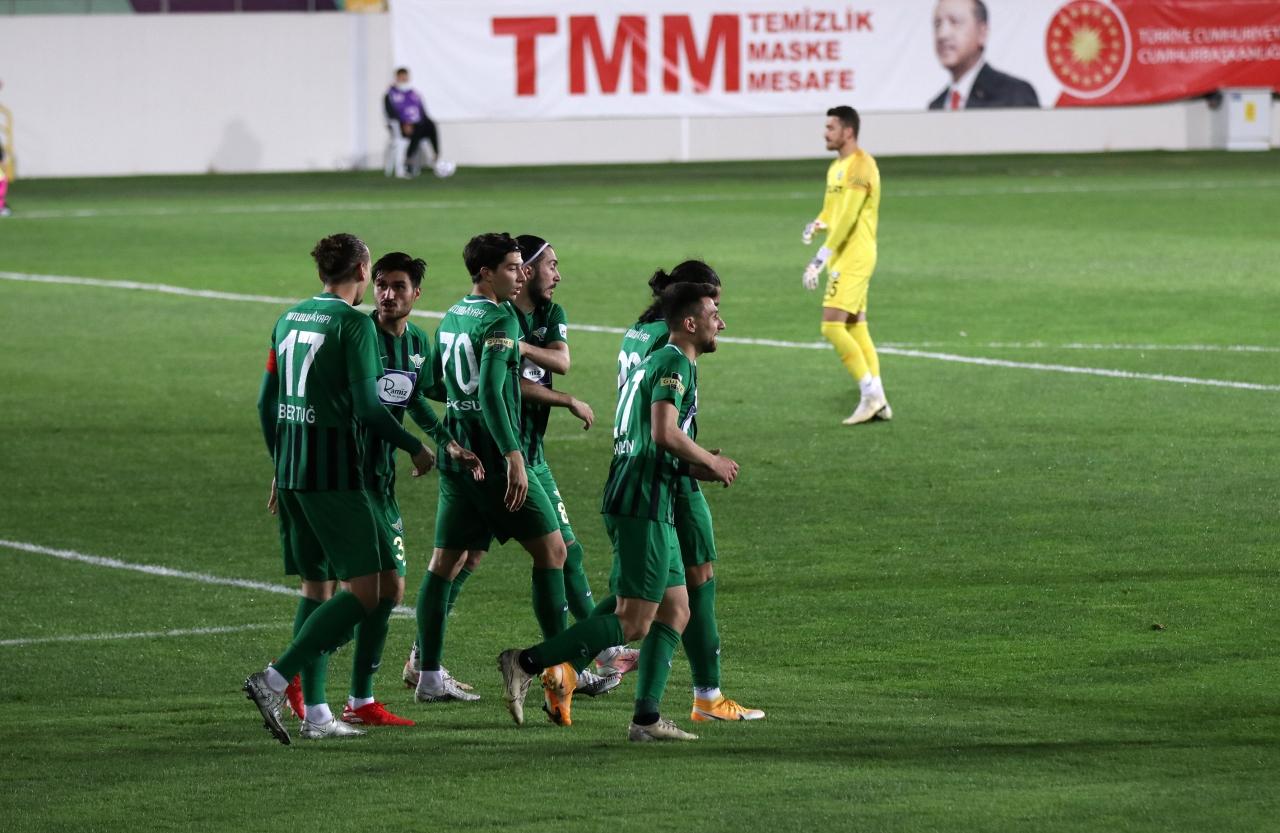 6. Akhisarspor ligde kalmak için direniyor