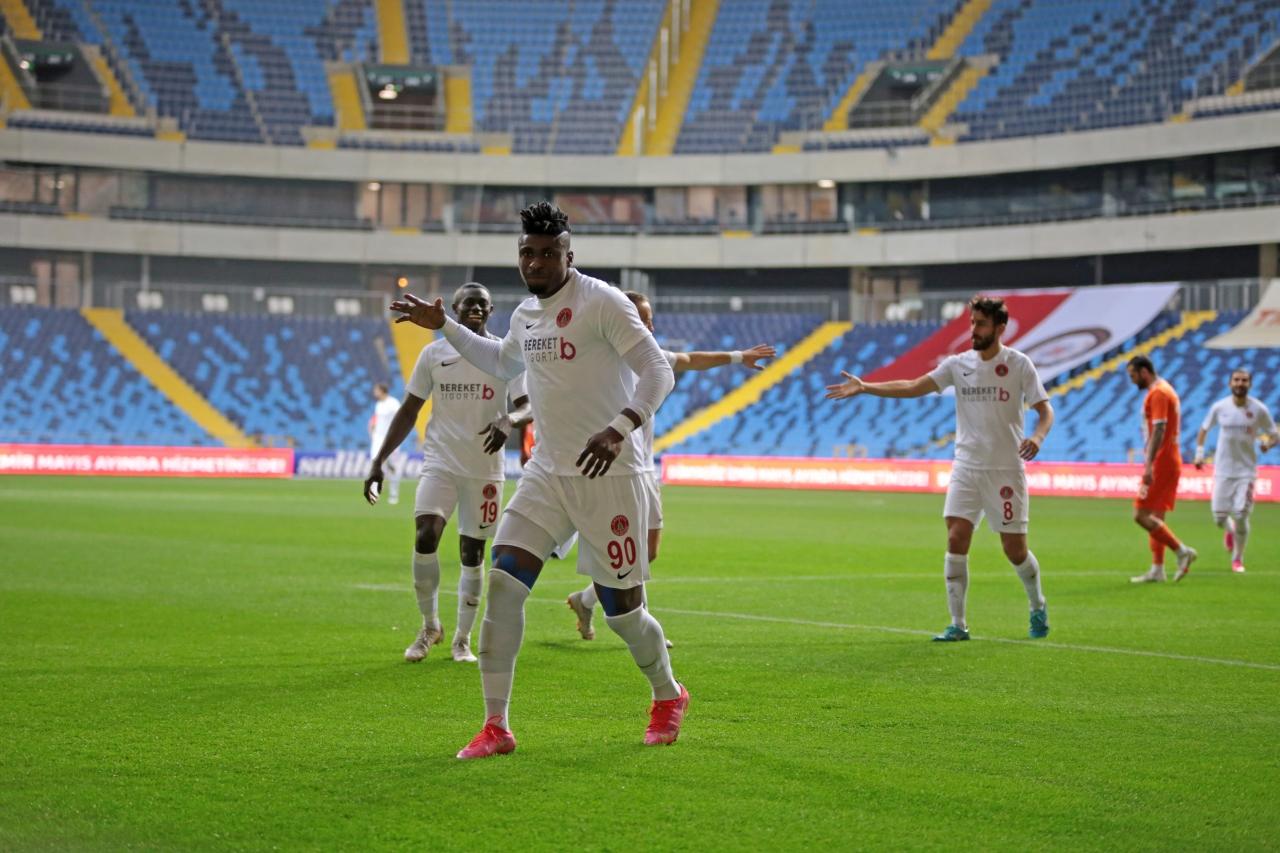 10. Adana`da kazanan Ümraniyespor
