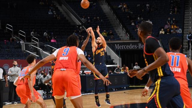 Curry play-off yolunda takımını sırtlamaya devam ediyor
