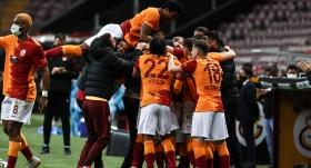 Galatasaray, şampiyonluk yarışını bırakmadı