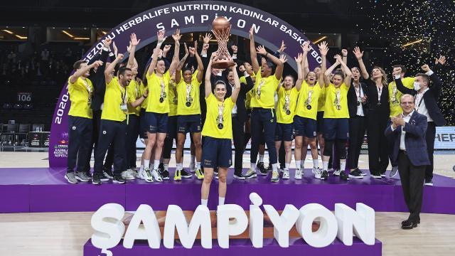 Şampiyon Fenerbahçe Öznur Kablo