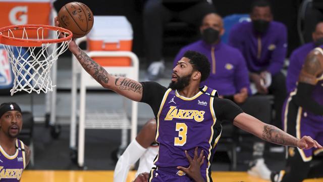 Lakers, Knicks'i uzatmalarda mağlup etti
