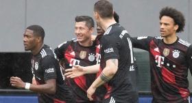 Lewandowski, Müller'in rekoruna ortak oldu